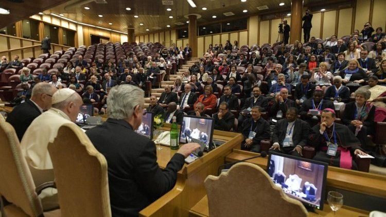 Diễn từ của Đức Thánh Cha trước tham dự viên trong Hội nghị Quốc tế về nạn Buôn người
