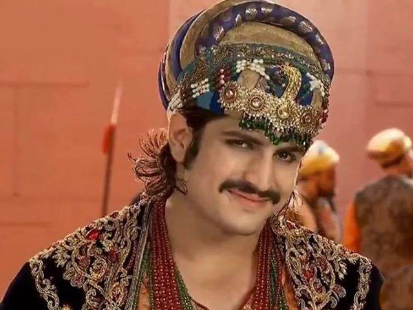 15-1429088494-rajat-tokas-birthday-1