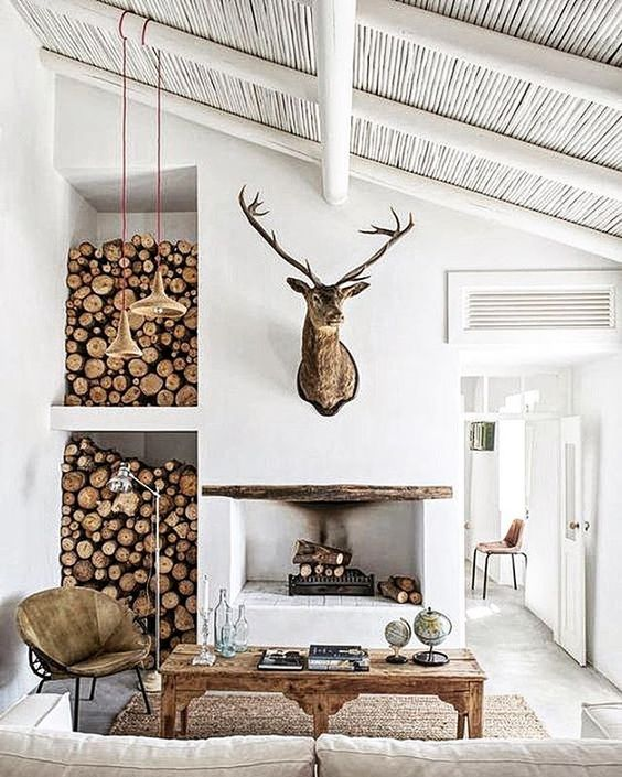 skandinávský styl interiéru s krbem
