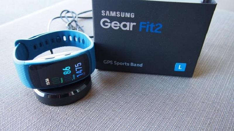 Samsung Gear Fit 2 màu sắc trẻ trung năng động