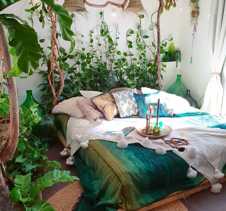 A Green Space Creates Zen Vibes for Teenage Girls Bedroom Ideas