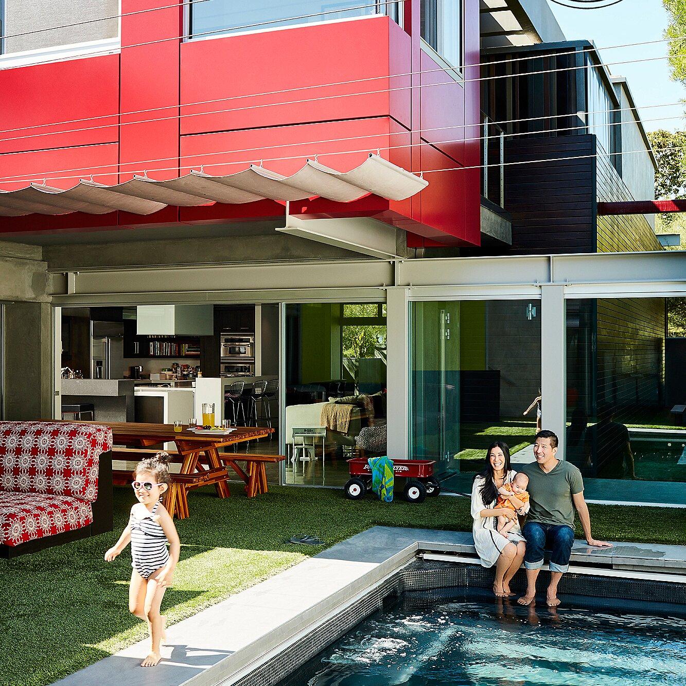 Lisa Ling dan keluarga - source: inhabitat.com