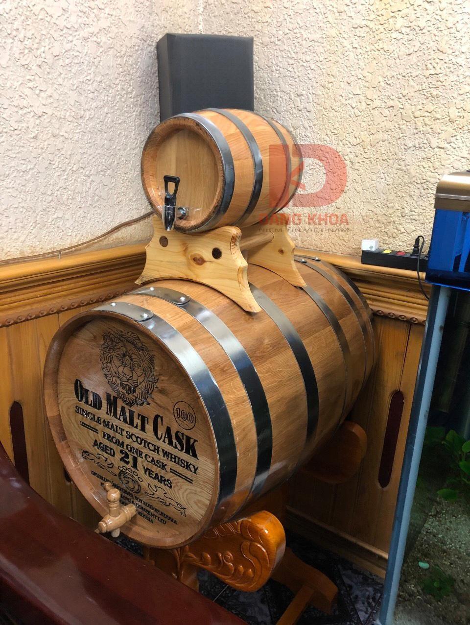 Màu sắc rượu ngâm trong thùng gỗ sồi đẹp mắt