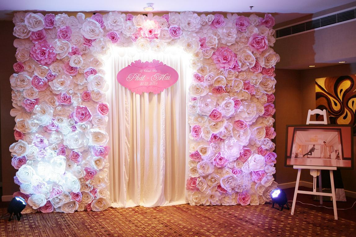 C:\Users\Administrator\Documents\Ánh sáng gia đình\thiết kế sân khấu hội nghị đám cưới\thiet-ke-san-khau-hoi-nghi-tiec-cuoi-03.jpg