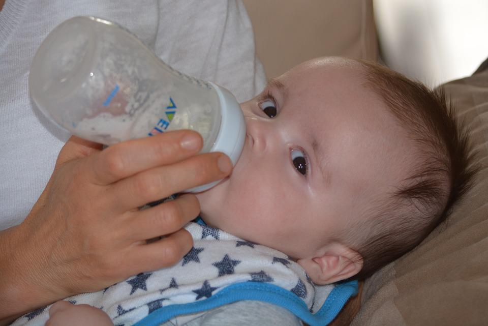 Image Source: https://pixabay.com/photos/baby-young-people-plush-boy-child-472922/