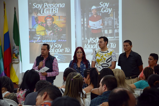 ALCALDE DIALOGA CON LA COMUNIDAD LGBTI 3.JPG