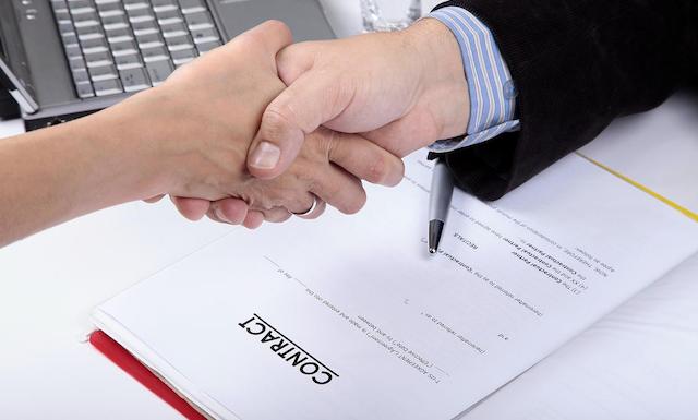 Các bạn nên đọc kỹ các điều khoản trong hợp đồng khi chọn đơn vị nhận xi mạ