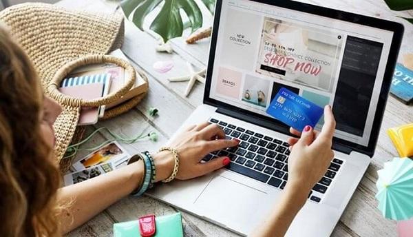 Thương mại hiện đại có thể mua hàng bằng mua bán trực tuyến