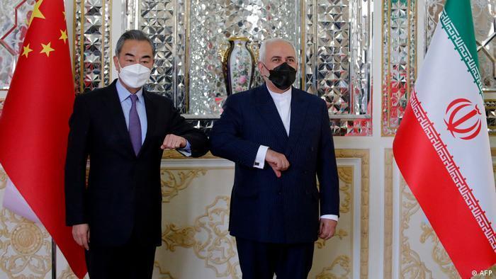 محمدجواد ظریف و وانگیی، وزیر خارجه چین