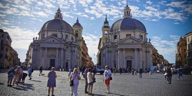 Tại sao Roma có hơn 900 nhà thờ?
