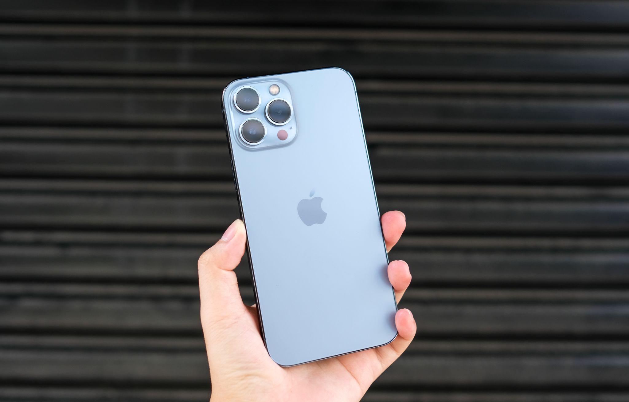 """iPhone 12 Pro Max """"sập giá"""", sắp bị khai tử tại Việt Nam - Ảnh 2."""