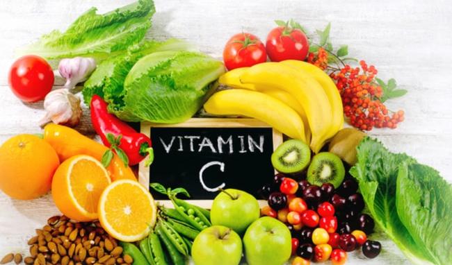 Bổ sung vitamin C, E để tăng khả năng tiếp nhận collagen vào cơ thể