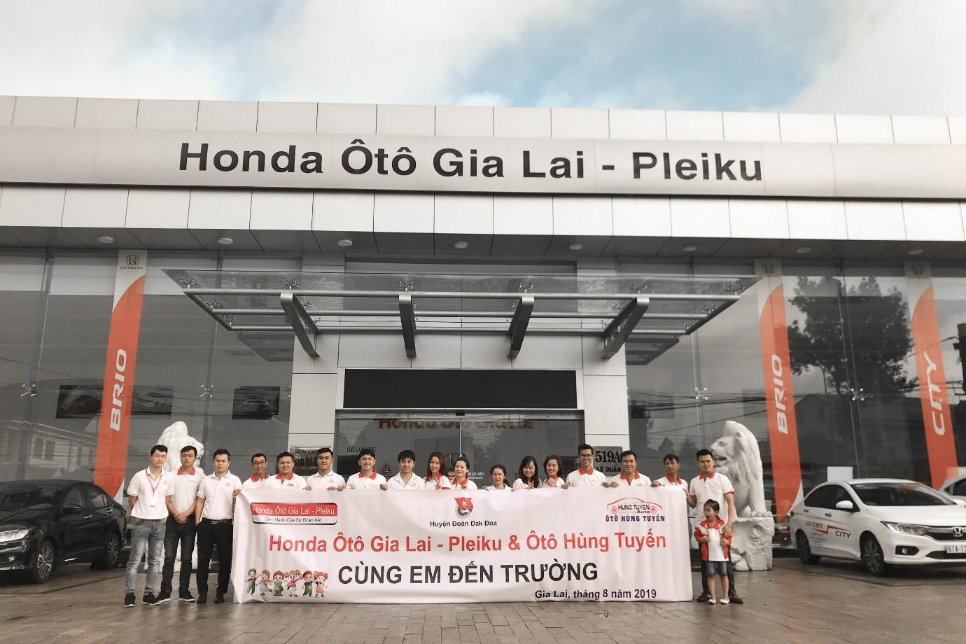 Honda ô tô Gia Lai - Pleiku chia sẻ yêu thương cùng các em học sinh khó khăn trên địa bàn - Ảnh 1