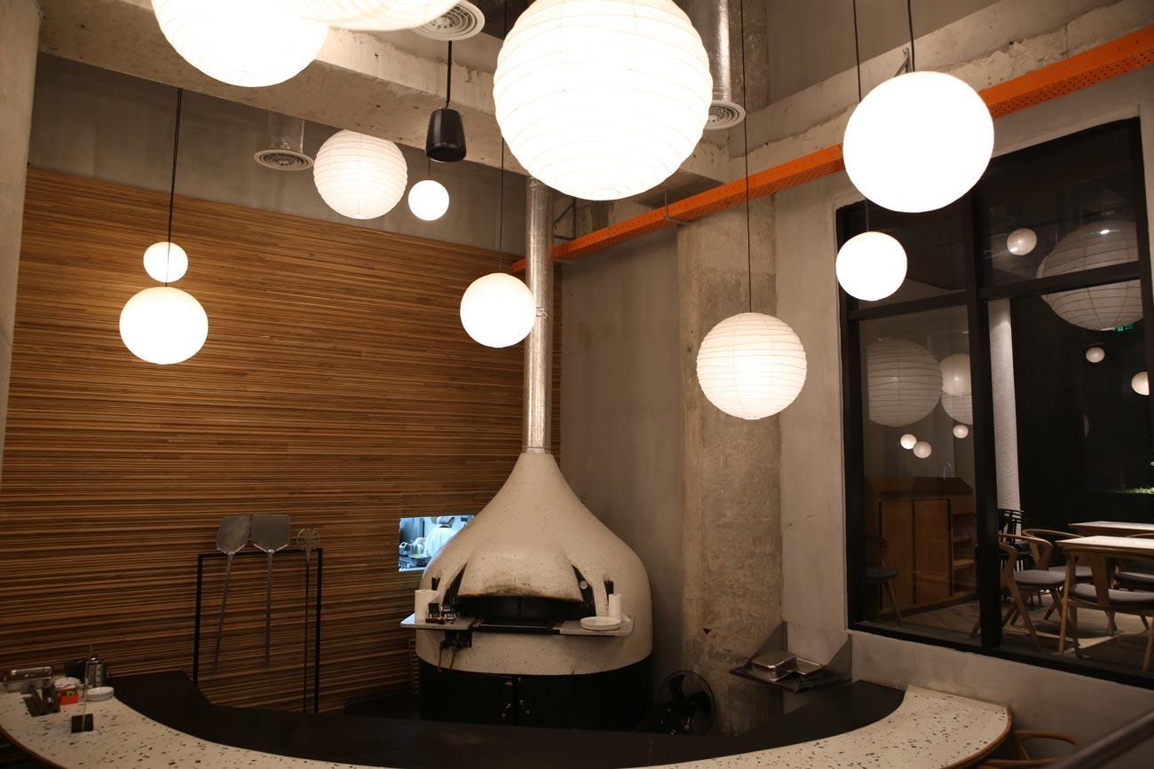 Ấn tượng với những mẫu đèn trang trí nhà hàng được nhiều người ưa thích