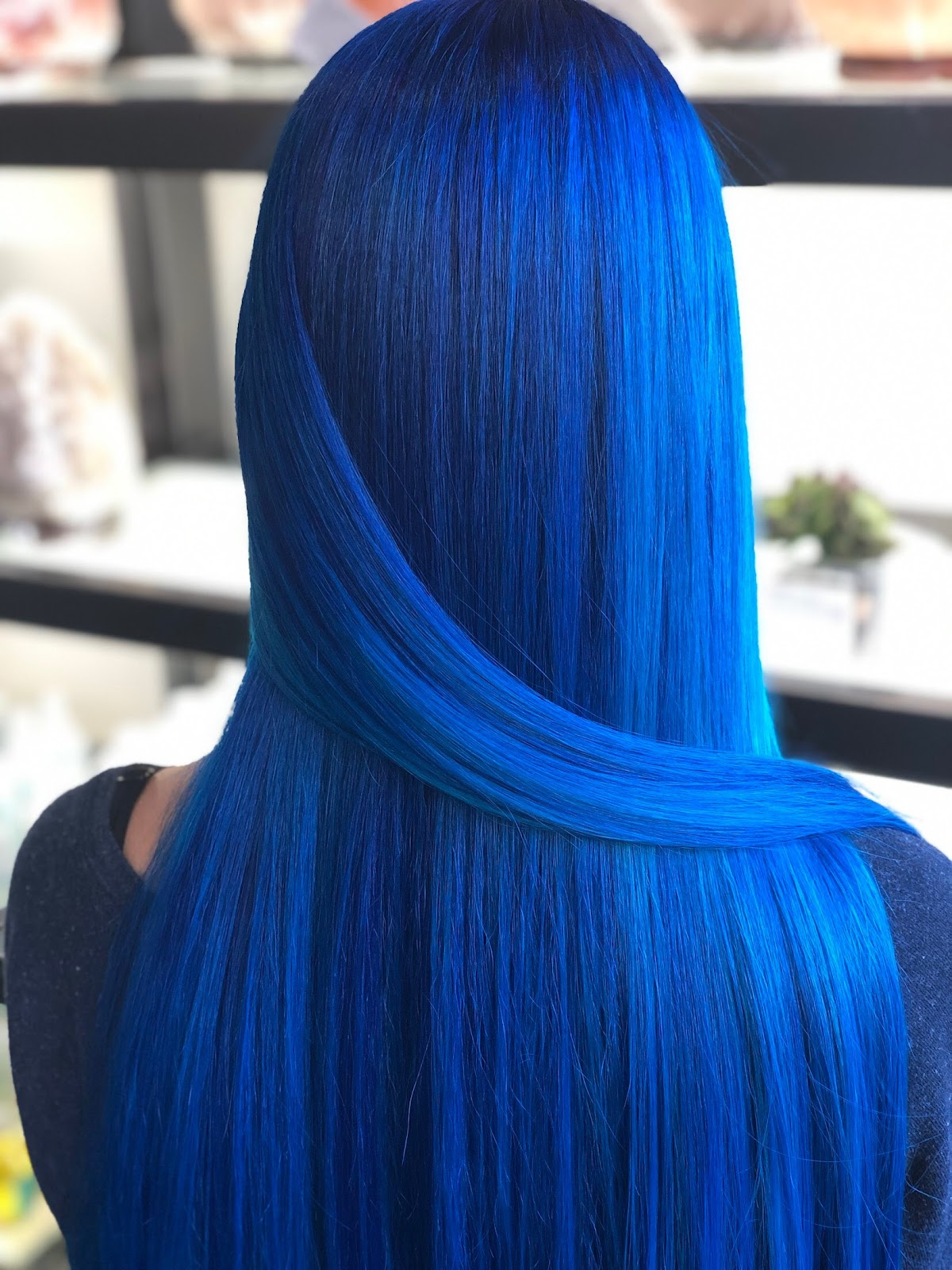@luxlittler Cobalt blue vivid color using Pravana at Phia Salon in Columbus, Ohio