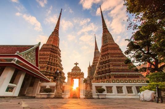 C:\Users\panomt\Downloads\Wat Po stupa.jpg