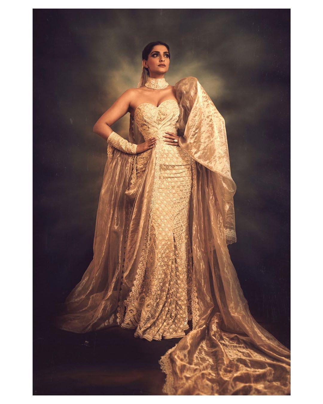 Sonam Kapoor Ahuja Cannes Film Festival 2019 Gold Outfit Abu Jani Sandeep Khosla | Sonam Kapoor Ahuja Cannes Film Festival 2019 Looks