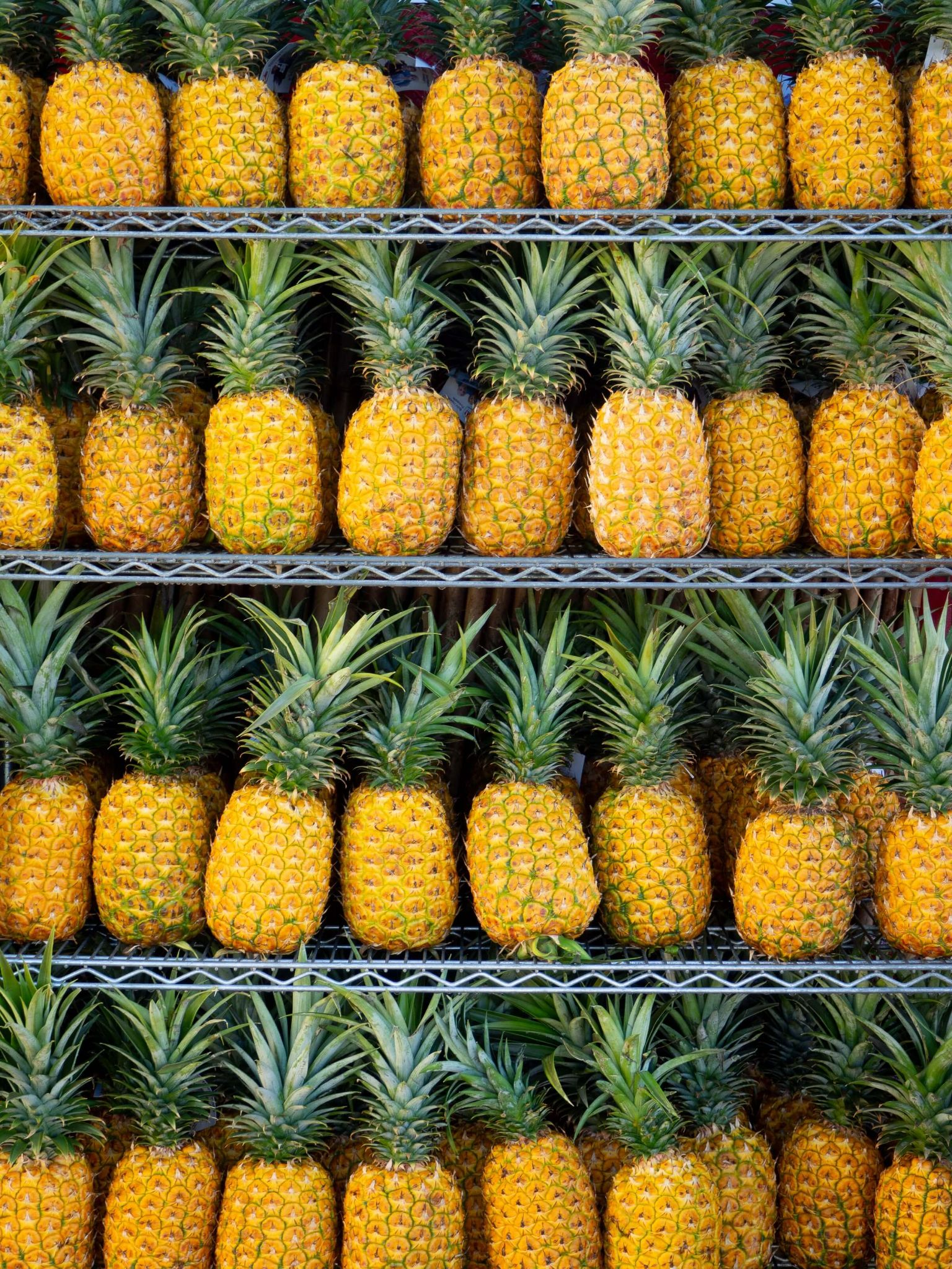 5 days in Oahu itinerary, dole plantation oahu, pineapple display