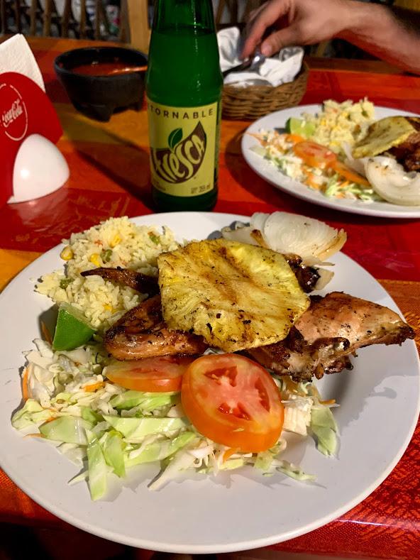 Pollo Pibil oder Yucatan Huhn in Pisté