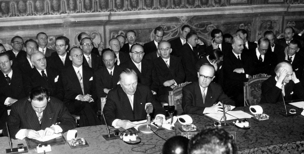 La firma de los tratados tuvo lugar en Roma, Italia el 25 de marzo de 1957. Fuente: Euranet Plus.