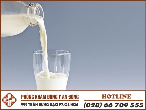 Đau dạ dày uống sữa có tốt không?