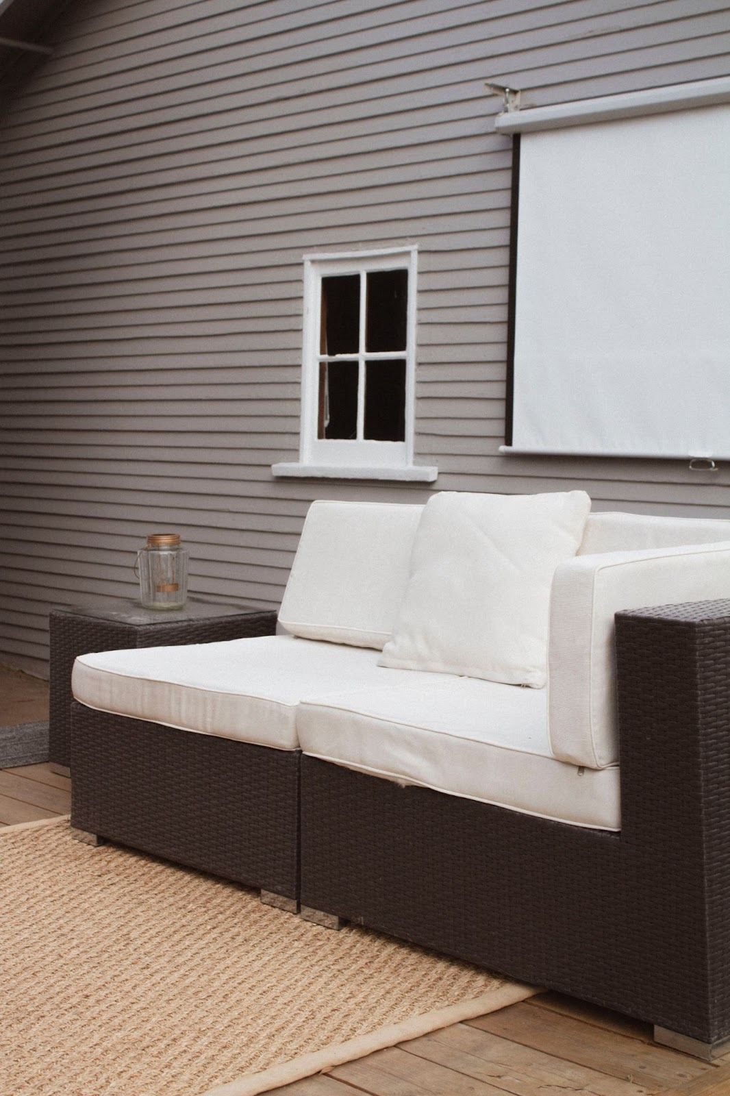 outdoor sofa; modern outdoor furniture ideas