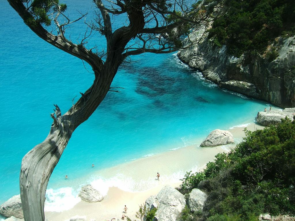 Cala Goloritze_пляж.jpg