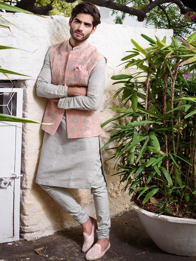 https://thecrimsonbride.com/wp-content/uploads/2020/01/Nehru-Jacket-Color-Combinations-The-Crimson-Bride-2-768x1024.jpg