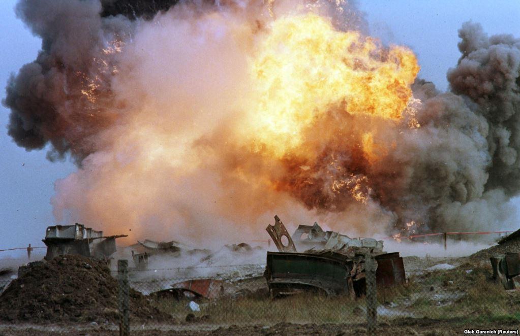 Вибух ракети СС-24 на полігоні у Первомайську 29 вересня 1998 року. Ці стратегічні ракети були здатні нести ядерні боєзаряди