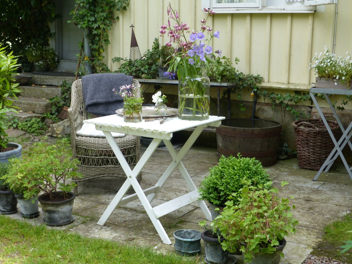 seat_table_chair_garden_flowers_decorations_house_staircase-703808.jpg!d