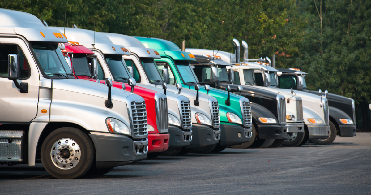 Truckers parked upgrading monthly account in TruckLogics