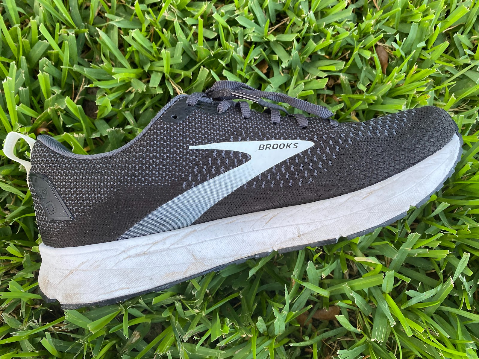 ghtlife data-mtsrclang=en-US href=# onclick=return false; show original title + Free DHL Details about  /Brooks Revel 4 Running Shoes//Running Man Black//White//Nightlife