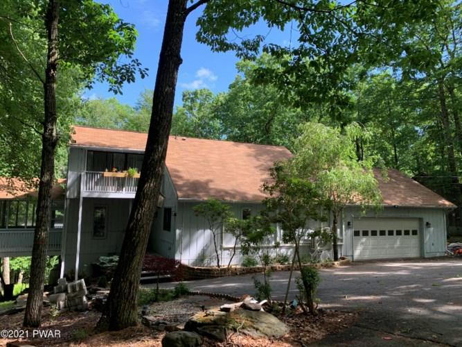 Farmhouse Homes for sale