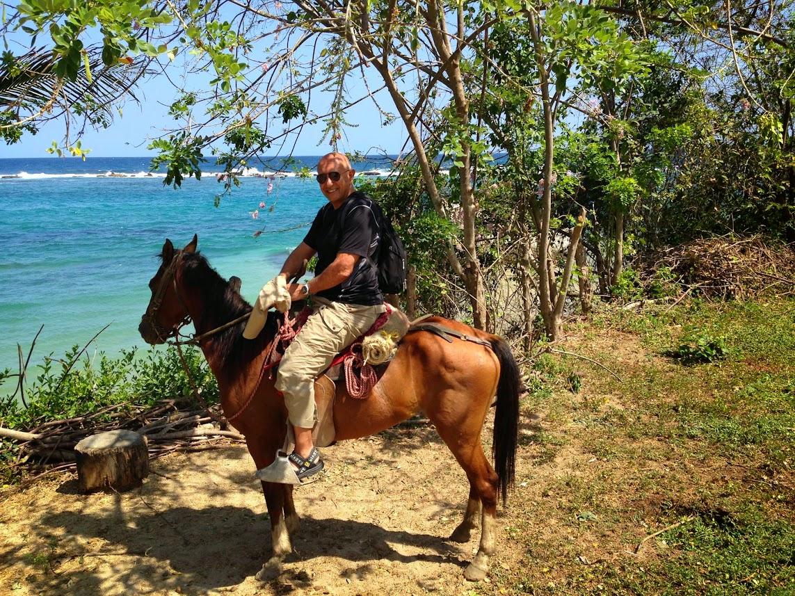 רכיבה על סוסים בטיירונה