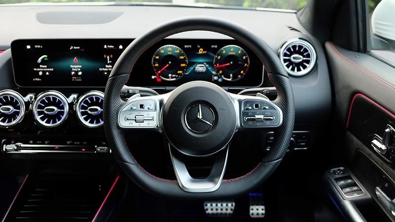 จุดเด่นของรถยนต์ : Mercedes Benz GLA 200 AMG Dynamic