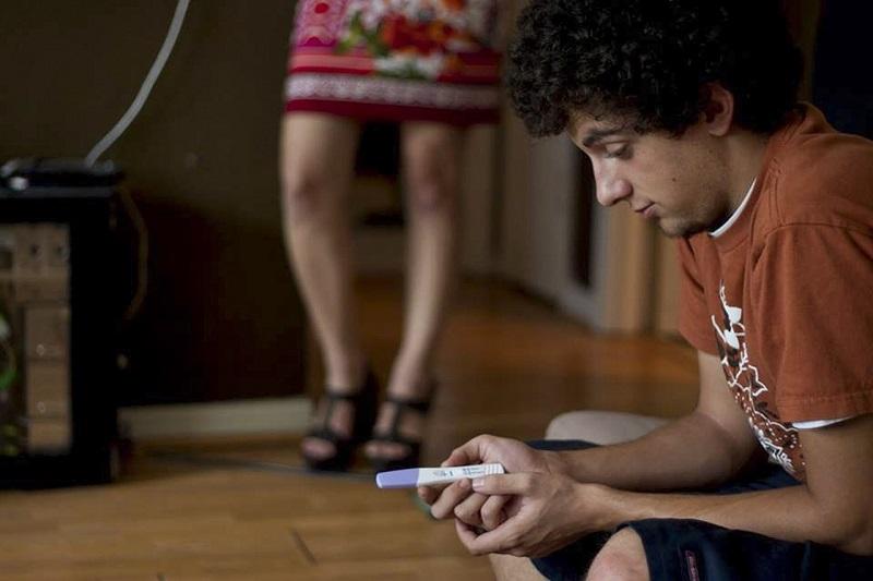 """Das gestações que ocorrem na adolescência, 66% são não intencionais, o que significa que a cada 10 adolescentes que engravidam, 7 dizem ter sido """"sem querer"""". (Fonte: amacchio/Pixabay/Reprodução)"""