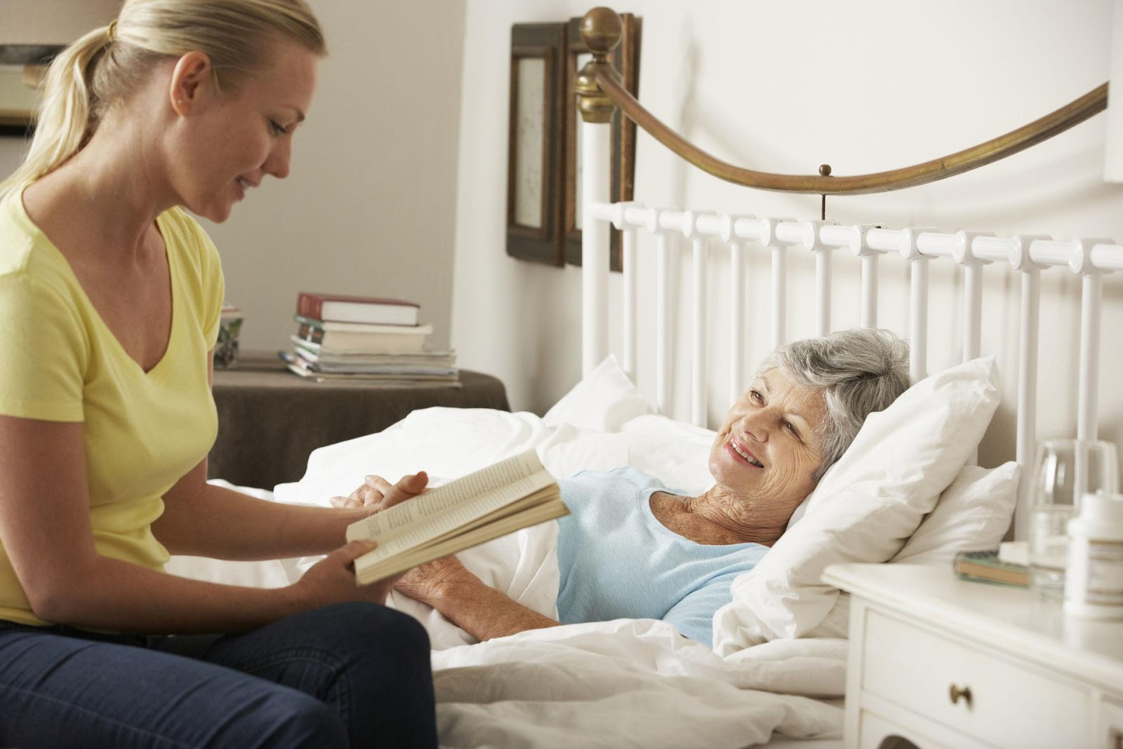 Нанять сиделку для лежачего больного в Симферополе, патронаж лежачих пожилых людей