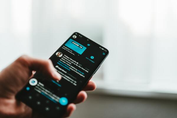 Foto da tela de um celular