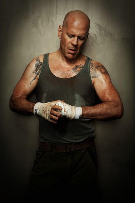 "Bruce Willis เดินทางมาพบช่างสักยอดฝีมือ จากนิวยอร์กซิตี้กับร้าน "" East Side Ink "" 03"