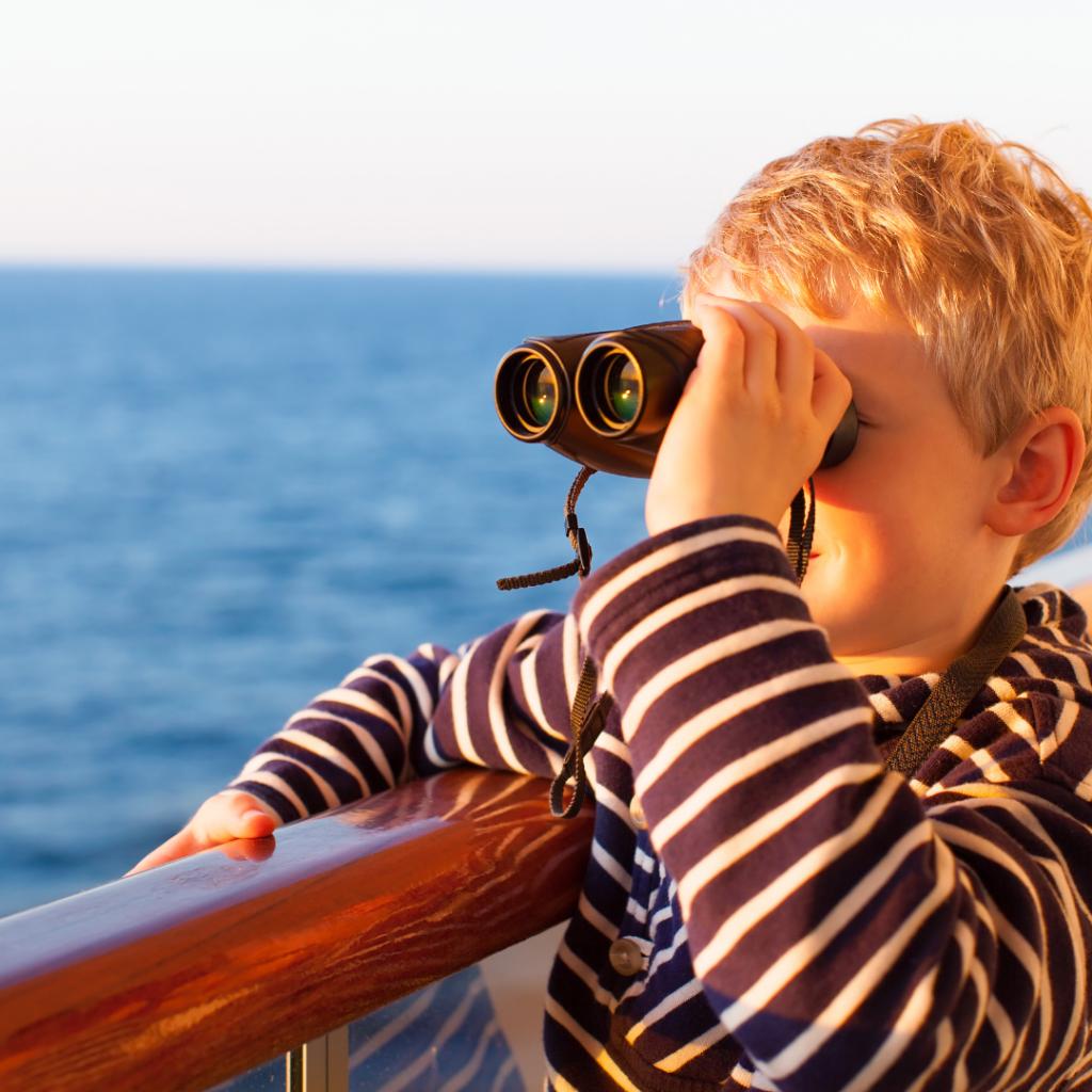 La imagen tiene un atributo ALT vacío; su nombre de archivo es consejos-para-vacaciones-con-bebes-barco-1024x1024.png