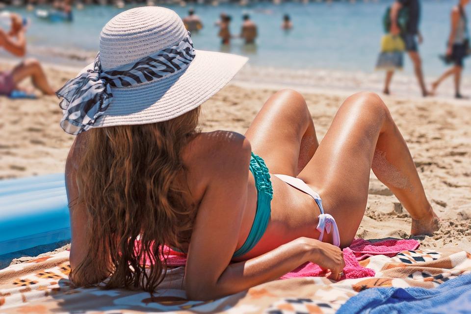 Best Sunblock Hats for Men and Women