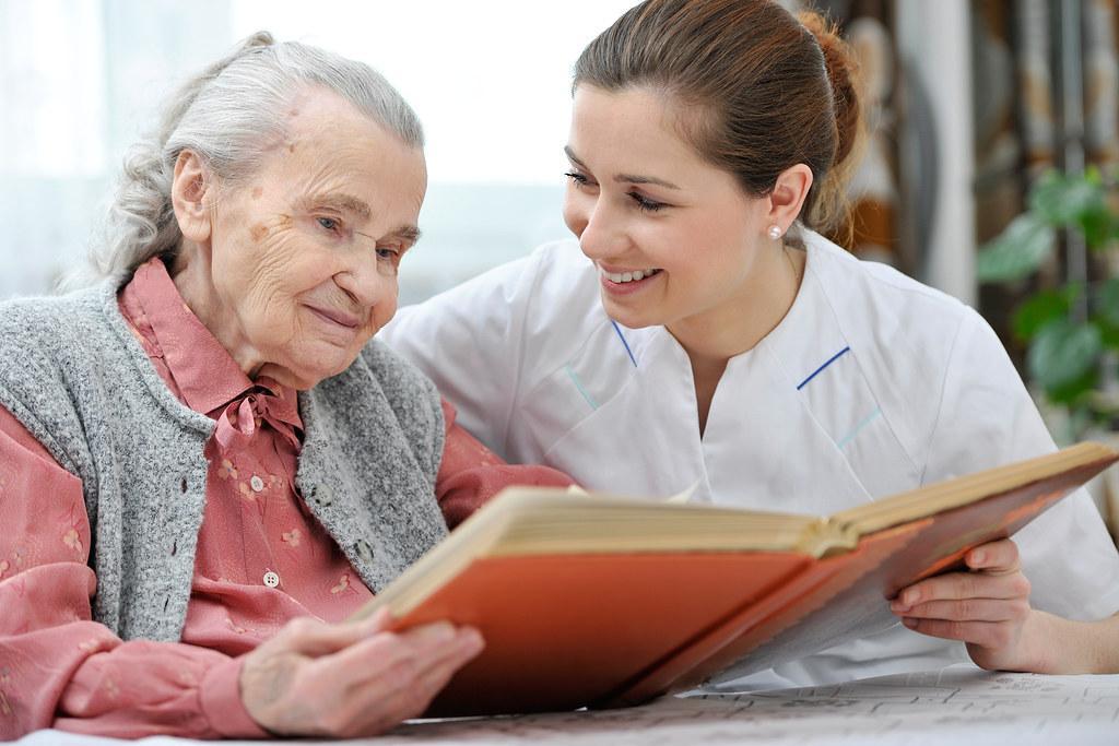 Cuộc sống nghề điều dưỡng: Thời gian làm việc khoảng 8h/ngày