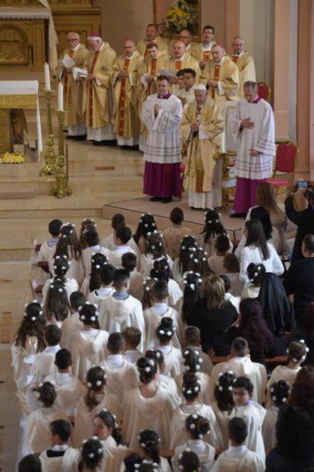 Đức Thánh Cha dâng Lễ Rước Lễ Lần đầu tại Nhà thờ Thánh Tâm ở Rakovsky, Bulgaria (Toàn văn)