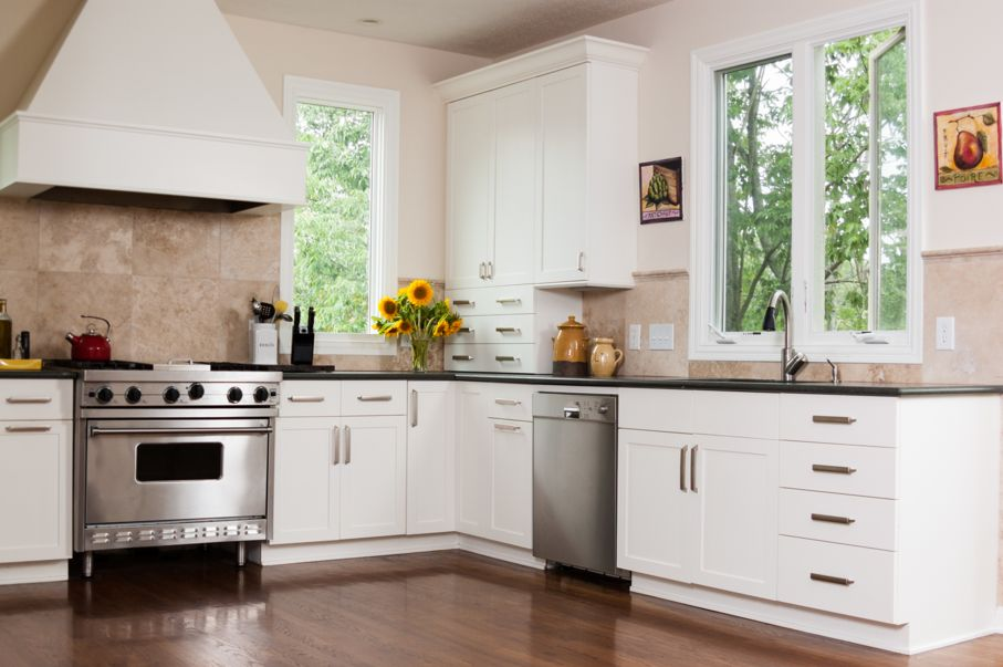 Best Ideas to Upgrade Your Old Kitchen Cabinets 3