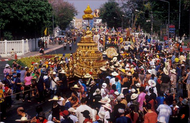 songkran-festival-gonorththailand_com.jpg