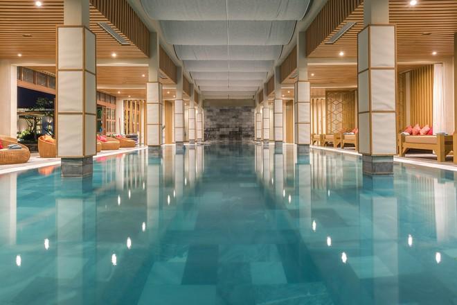 Bể bơi nước nóng trong nhà tại FLC Luxury Hotel Sầm Sơn