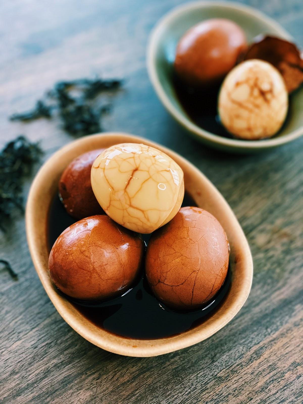 Authentic Braised Tea Eggs (Easy and Inexpensive)