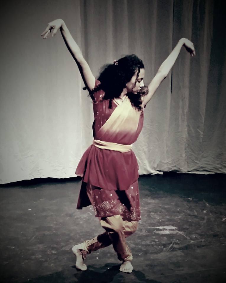 Hart publiktryck pa teater bhopa