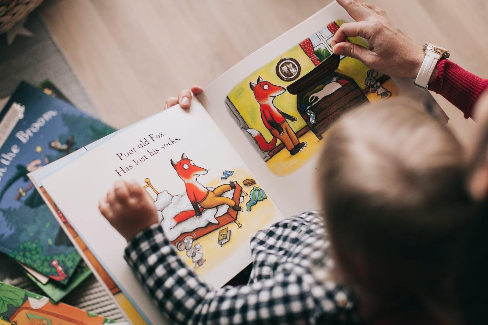 toddler's bedtime tantrums reading a book