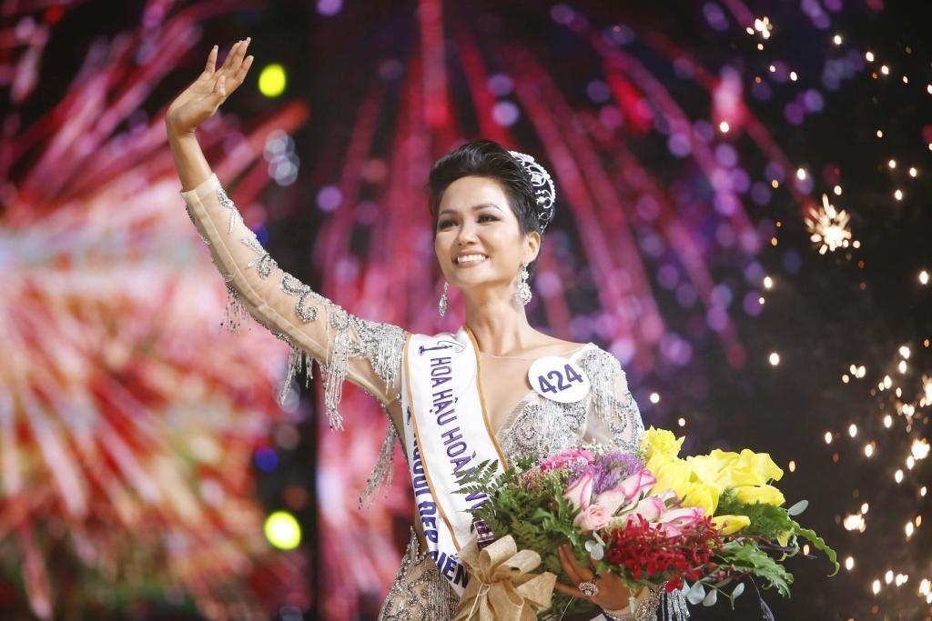 Hiện tượng nhan sắc H'Hen Niê: Việt Nam chê bai, quốc tế dang tay đón nhận  | Việt Nam Mới